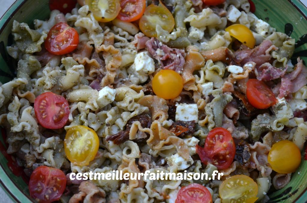 Salade estivale de pâtes au pesto