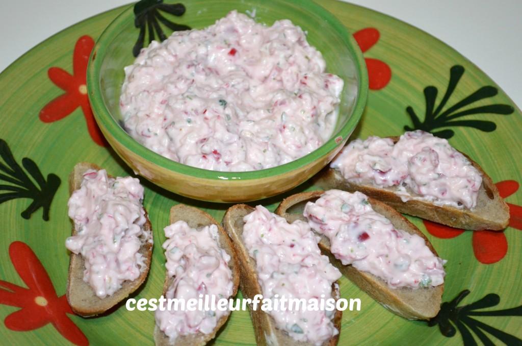 http://cookbyflo.fr/tartinade-aux-radis-et-fromage/