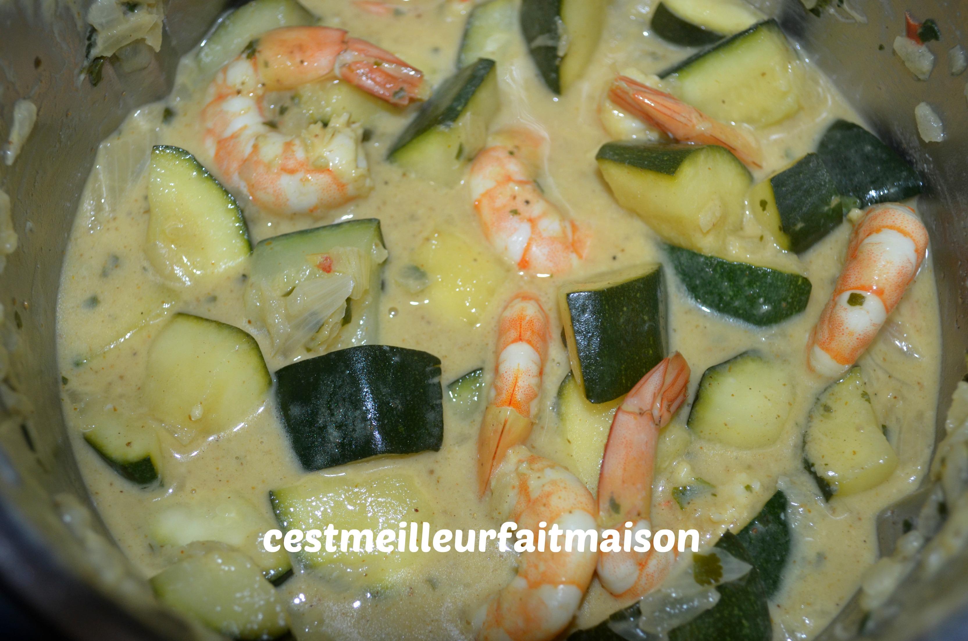 Crevettes au curry et au courgettes